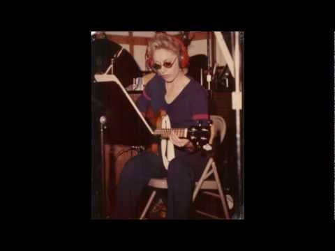 Carol Kaye 'BassCatch'