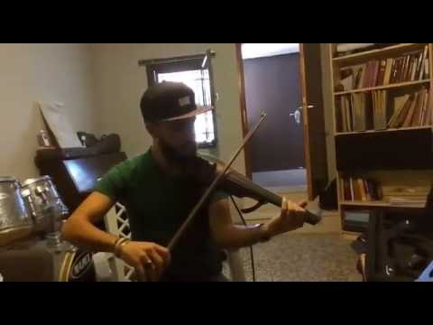 Trying the NS Design - 5 String Electric Violin - Akram Abdulfattah