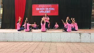 Nhảy Lạc trôi + Bánh trôi nước - 12A1 - THPT Lê Xoay