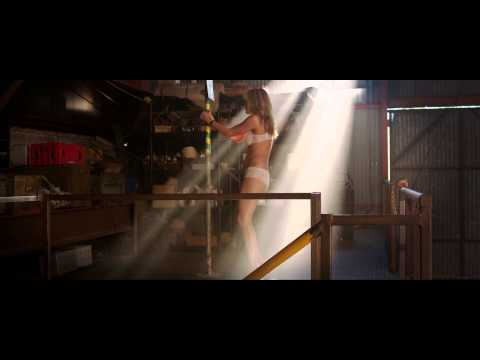 We're The Millers - Stripping Scene video
