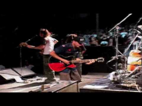 Rage Against The Machine-Guerilla Radio(Live at The Grand Olympic Auditorium)