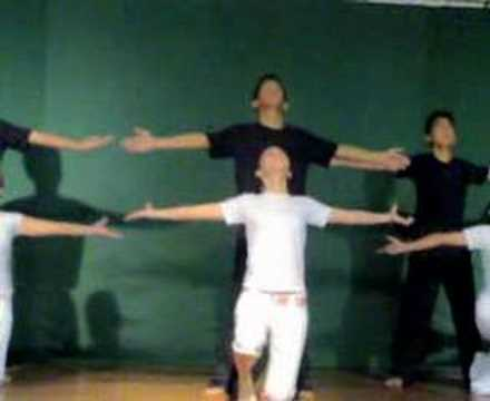 interpretative dance of 3-aqua