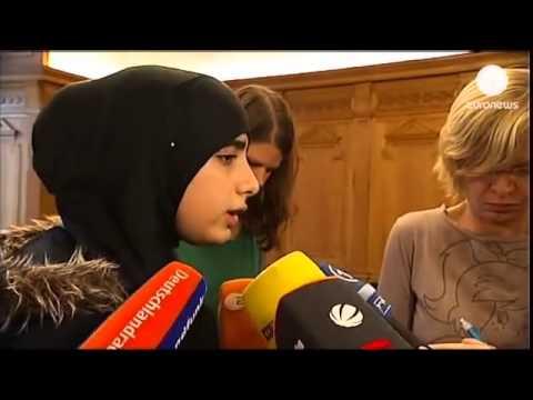 دختران مسلمان در مدارس آلمان باید در یک استخر با پسران شنا کنند thumbnail