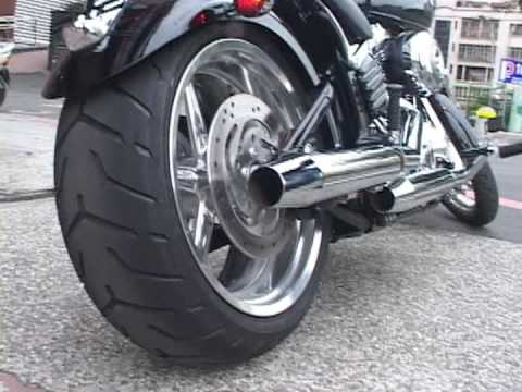 ' 09 Softail Rocker C FXCWC with S&S Slip-On Muffler Video