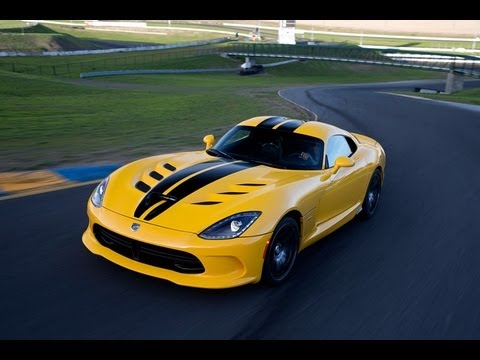 2013 SRT Viper tears up the race track