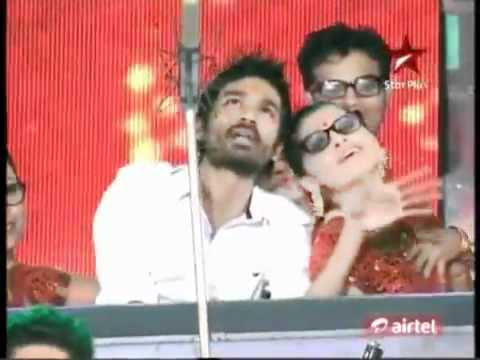 Dhanush performing Kolaveri Di live on stage