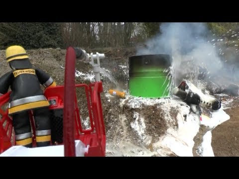 PLANE CRASH ON OIL TANK FARM, RC FIRE ENGINES, FIREFIGHTER, ACCIDENT, HOUSE ON FIRE 2013