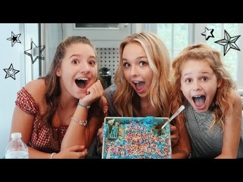 BAKING WITH NO HANDS CHALLENGE! Ft. Mackenzie Ziegler & Ruby Rose Turner