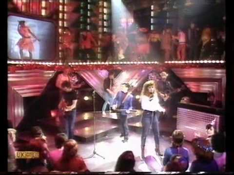 Kirsty MacColl - There's A Guy Works Down The Chip Shop - TOTP 1981