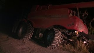 Quadtrac 600 pulling out stuck combine!!!
