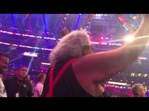 Roman Reigns' Hall of Fame father Sika goes crazy at Wrestlemania thumbnail