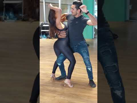 Aline & Michael in a gorgeous demo of 'body control' ~ Zouk Soul
