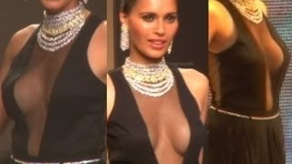 Hot International Model In Transparent Dress Walks at IIJW Fashion Week 2015!
