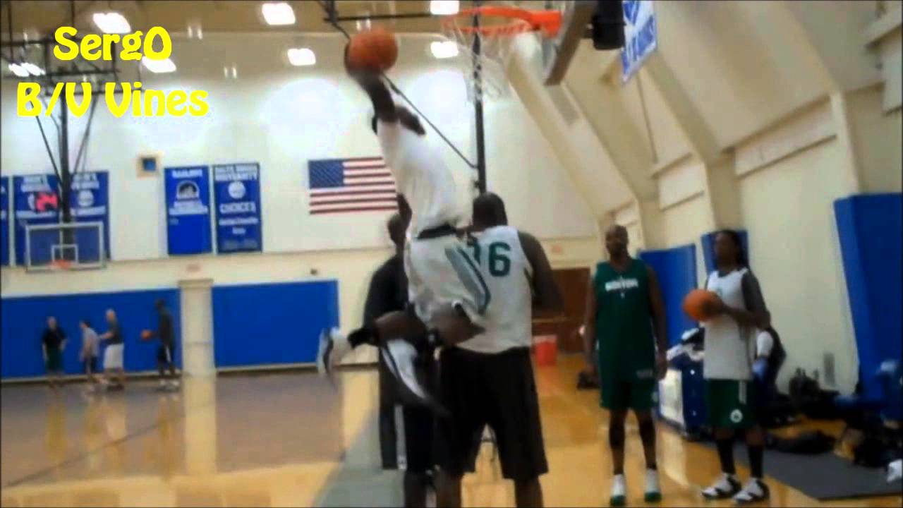 Nate Robinson Dunking Over Shaq Nate Robinson Dunks Over