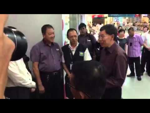 Transport Minister Lui Tuck Yew speaking to bus drivers at the Serangoon Integrated Bus Hub.