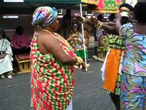 Nana Yaa Asantewaa ll and Awuraa Abena Dances Adowa at 2011 Philadelphia Sankofa Festival