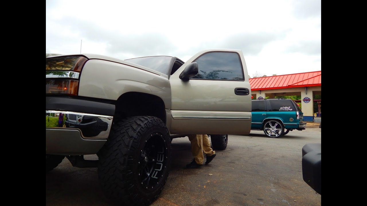 "Lifted Chevy Silverado on 35"" Tires Screaming and Street ..."