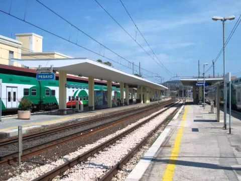 Nuovissimi Annunci Pazzi e Assurdi della Stazione Ferroviaria