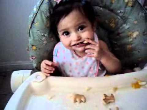 Que Come Una Bebe de 11 Meses- What does and 11 month baby eat