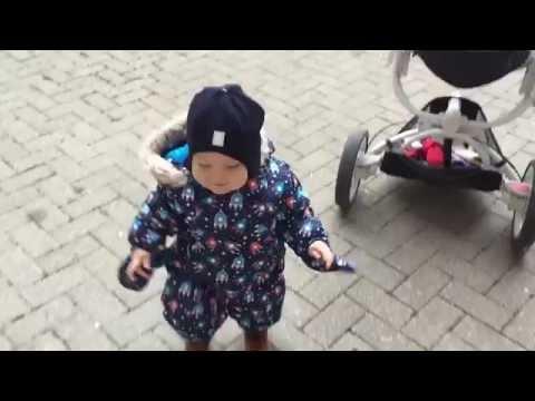 Как одеть ребенка зимой при 0/-5. Ребенку год.