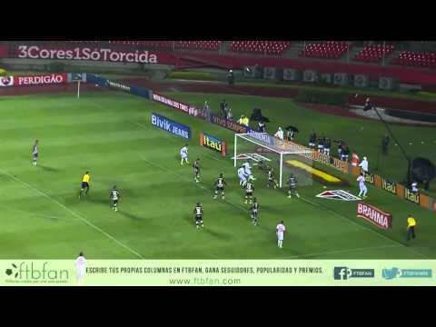 """Espectacular jugada de Paulo Henrique """"Ganso"""" en el área chica"""