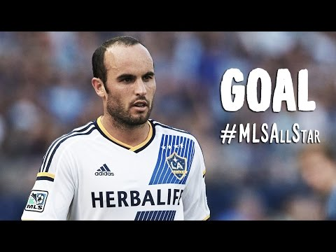 GOAL: Landon Donovan muscles a shot past Neuer | MLS All-Stars vs FC Bayern München