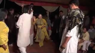 Real Nanga - Hot And Ver Sexy Pakistani Marrige Mujra 2017-New And Hot