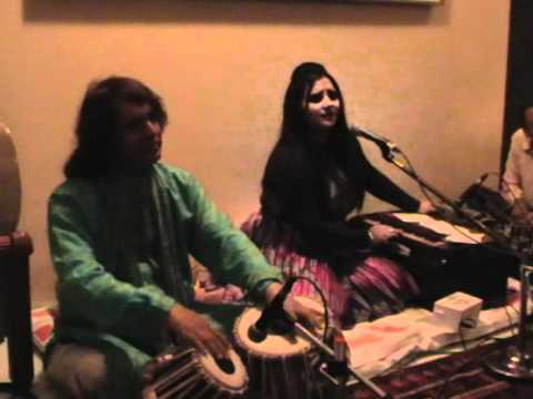 Ustad Tari Khan Sabh Playing Tabla With Prabjyot Kaur In Mumbai At Talat Aziz Ji S House video