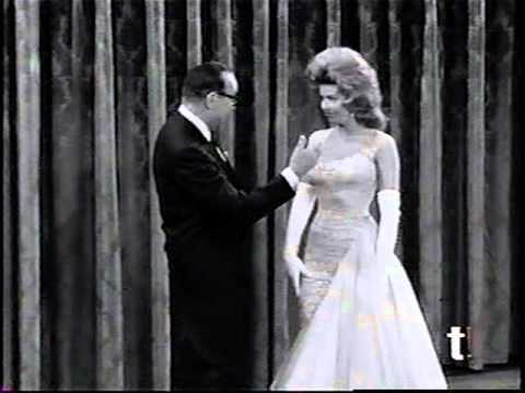 Jack Benny Program - 03-Feb-64 - Don Breaks His Leg Part 1
