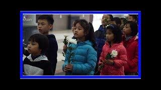 Hàng dài các em nhỏ tiễn đưa bé gái 7 tuổi hiến giác mạc về nơi an nghỉ cuối cùng - Quỳnh Kool - Là