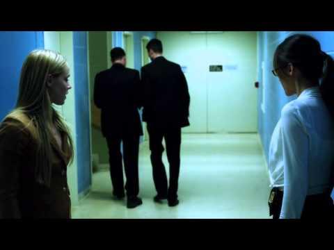 Nikita (Maggie Q) vs Agent Naomi (Amanda Schull): the winner takes loser's shoes