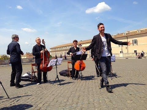 """FLASHMOB(bing) – Alessandro Errico ft. 3CELLOS, """"Il mio paese mi fa mobbing"""""""
