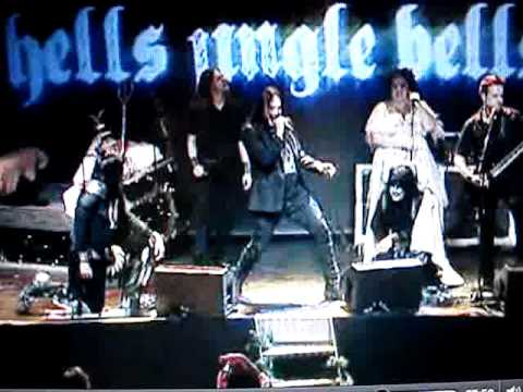 Hells Jingle Bells - Hearts on Fire (Hammerfall) - Joacim cans, oscar dronjak (HammerFall)