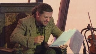 Andy Serkis reads The Hobbit as Gollum on stage