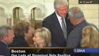 President Obama, Clinton Arrive At Kennedy Funeral Mass