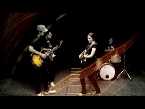 Jesse  y Joy - Llegaste tu (Official Music Video)