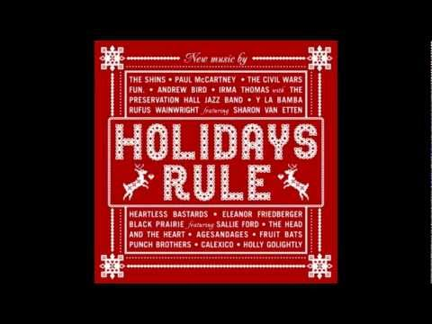 "Rufus Wainwright & Sharon Van Etten - ""Baby Its Cold Outside"""