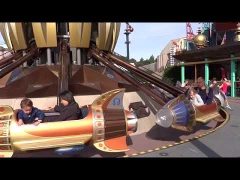 Disneyland Paris Orbitron Machines Volantes Onride
