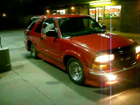 2001 CHEVY S-10 2X2 BLAZER LOWERED - YouTube