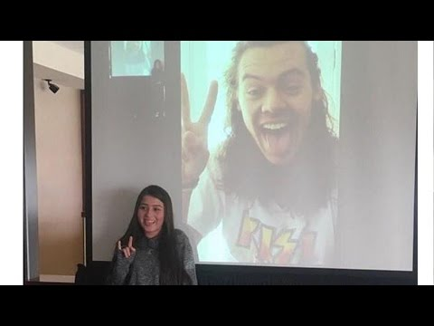 "Harry Styles Facetimes With Fan & Reveals ""Larry"" Isn't Real"