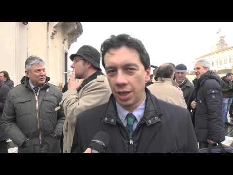 Pensioni - Paolo Tosato protesta davanti alla consulta