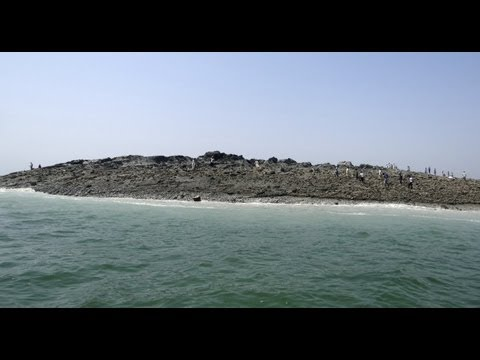 AMAZING SIGHT! as ISLANDS! Emerge From the SEA! after PAKISTAN 7.8 Earthquake