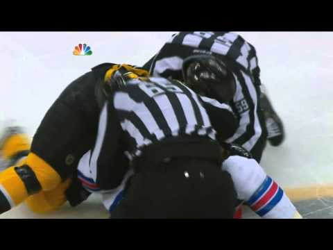 Shawn Thorton vs Derek Dorsett fight May 25 2013 NY Rangers vs Boston Bruins NHL Hockey