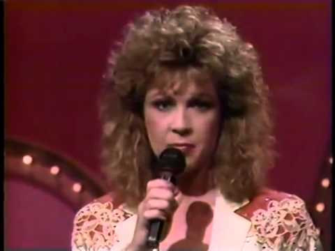 Patty Loveless - A Little Bit In Love