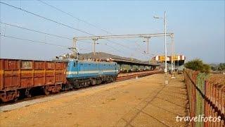 Indian Railways Freight Train at full speed / Station Juchandra / Trains of India Short Video