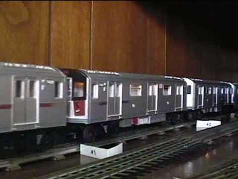 0 Test Track: MTH NYCTA R142A (ten car train) 1 of 2
