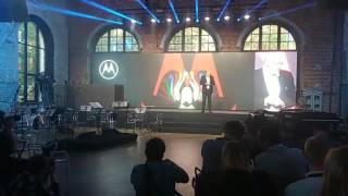 Motorola Is Back - Live from Russia
