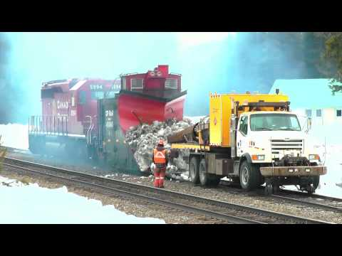 CPR Jet Truck Melts Snow off Plow 400840