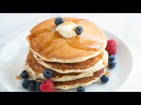 How to Make Fluffy Pancakes at Home - Easy Pancake Recipe