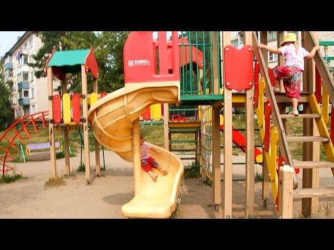 VLOG Детская Супер Площадка. Развлекательный Центр Для Детей КАЧЕЛИ ГОРКА Playground video for kids